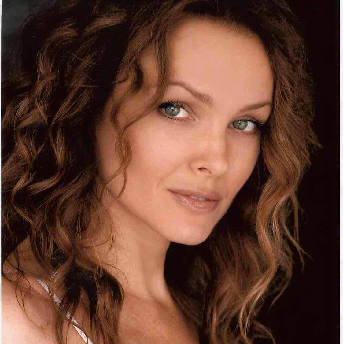 Avatar of Dina Meyer